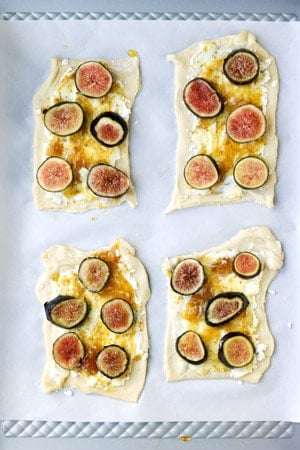 Assembled fig puff pastry without walnuts