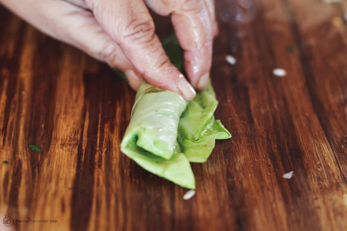 Cabbage leaf rolled with vegetarian stuffing