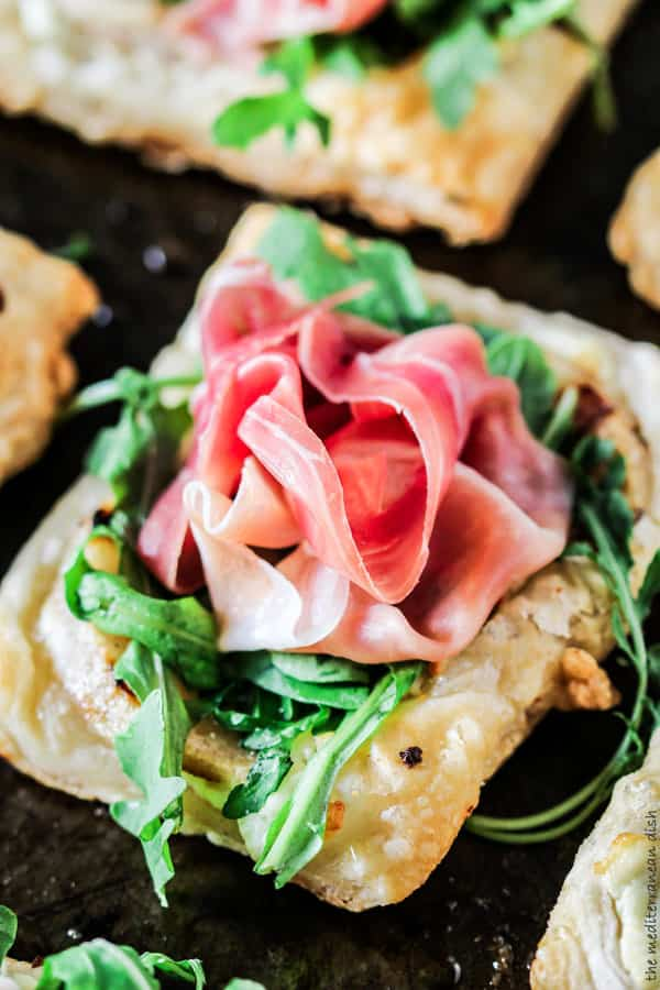 Easy Puff Pastry with Pears and Prosciutto. Part of 21 Mediterranean Christmas Brunch Recipes #christmasbrunch #mediterraneanrecipes #brunchrecipes