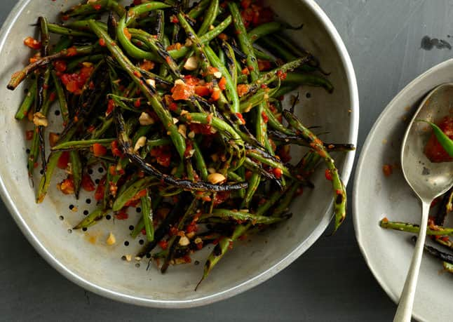 Mediterranean Style Thanksgiving Recipes | The Mediterranean Dish. This charred green bean recipe with harissa and almonds from bon appetit along with recipes from The Mediterranean Dish, David Lebovitz, Yotam Ottolenghi and more!