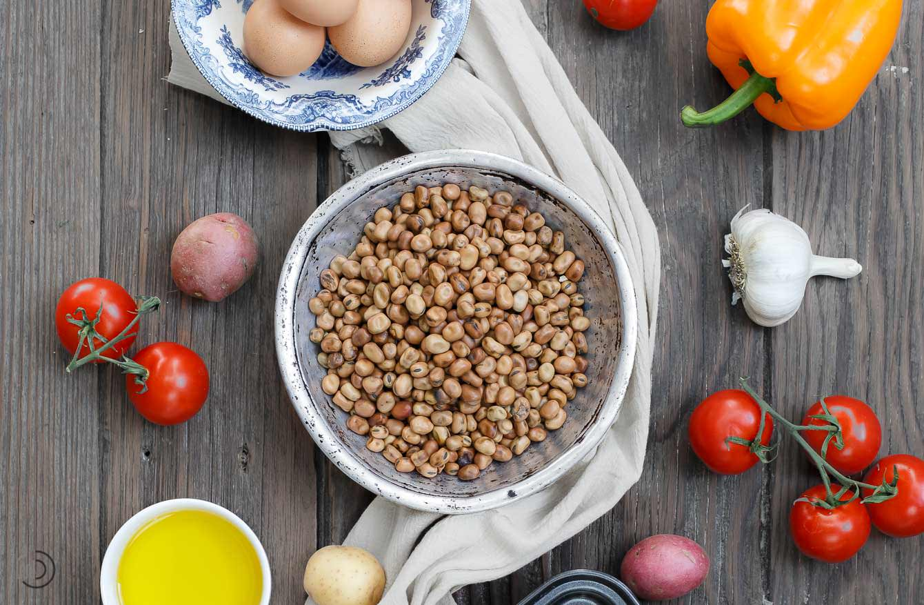 Mediterranean diet ingredients beans, olive oil, vegetables