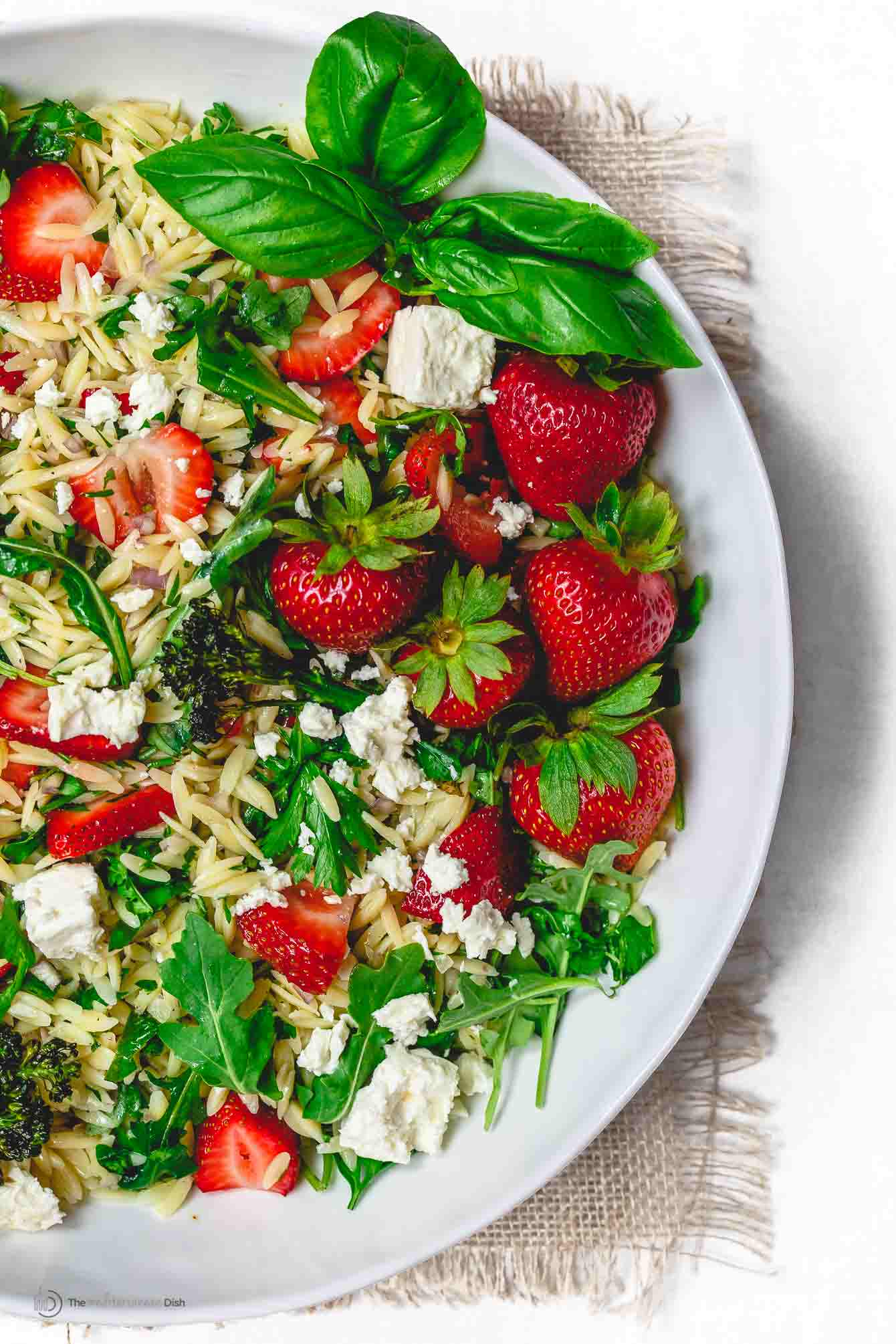 Orzo salad with strawberries and feta cheese