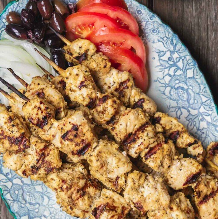This homemade chicken souvlaki recipe takes you to the streets of Athens! Complete with the best souvlaki marinade; instructions for indoor or outdoor grilling; and what to serve with your souvlaki. Recipe from themediterraneandish.com #greekfood #souvlaki #kebab #kabob #chickensouvlaki #chickenkabob #mediterraneanfood #mediterraneandiet #mediterraneanrecipe #grilledchicken