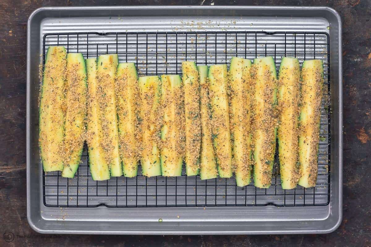 Easy Baked Zucchini with Thyme and Parmesan   Easy baked zucchini recipe 3