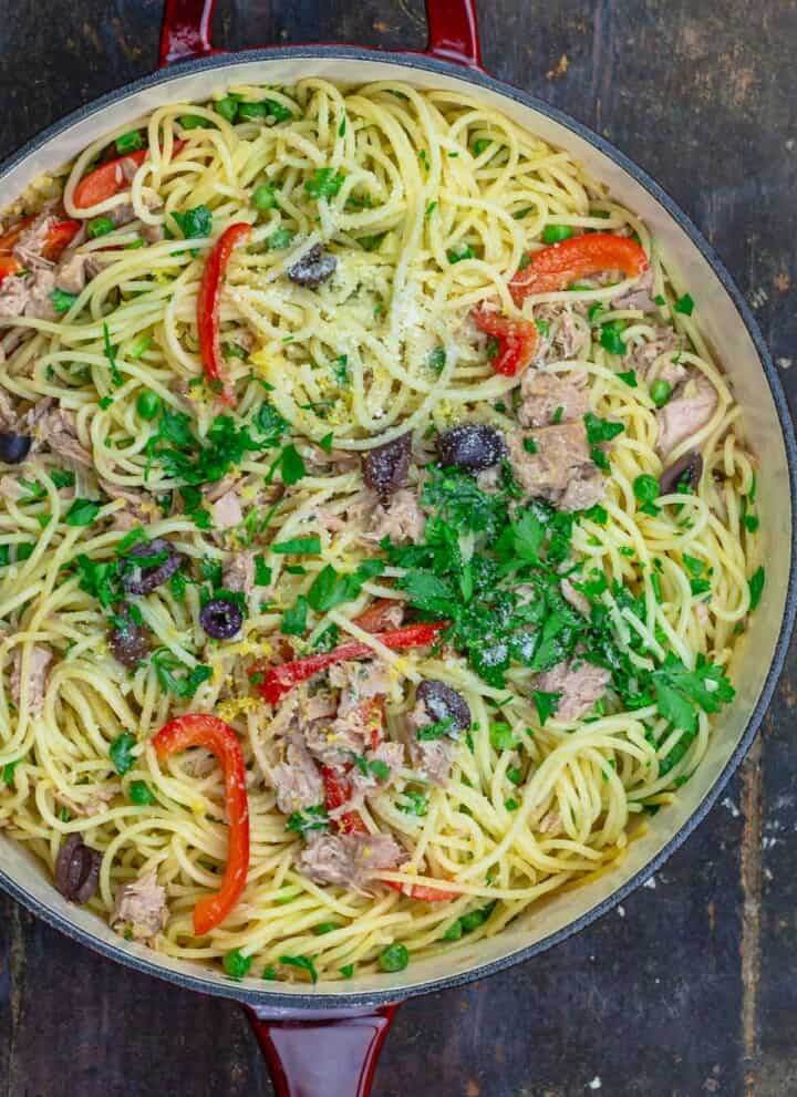 Tuna pasta with peas